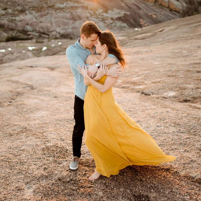 Enchanted Rock Engagement Session Photos in Fredericksburg, Texas | Austin Wedding Photographer